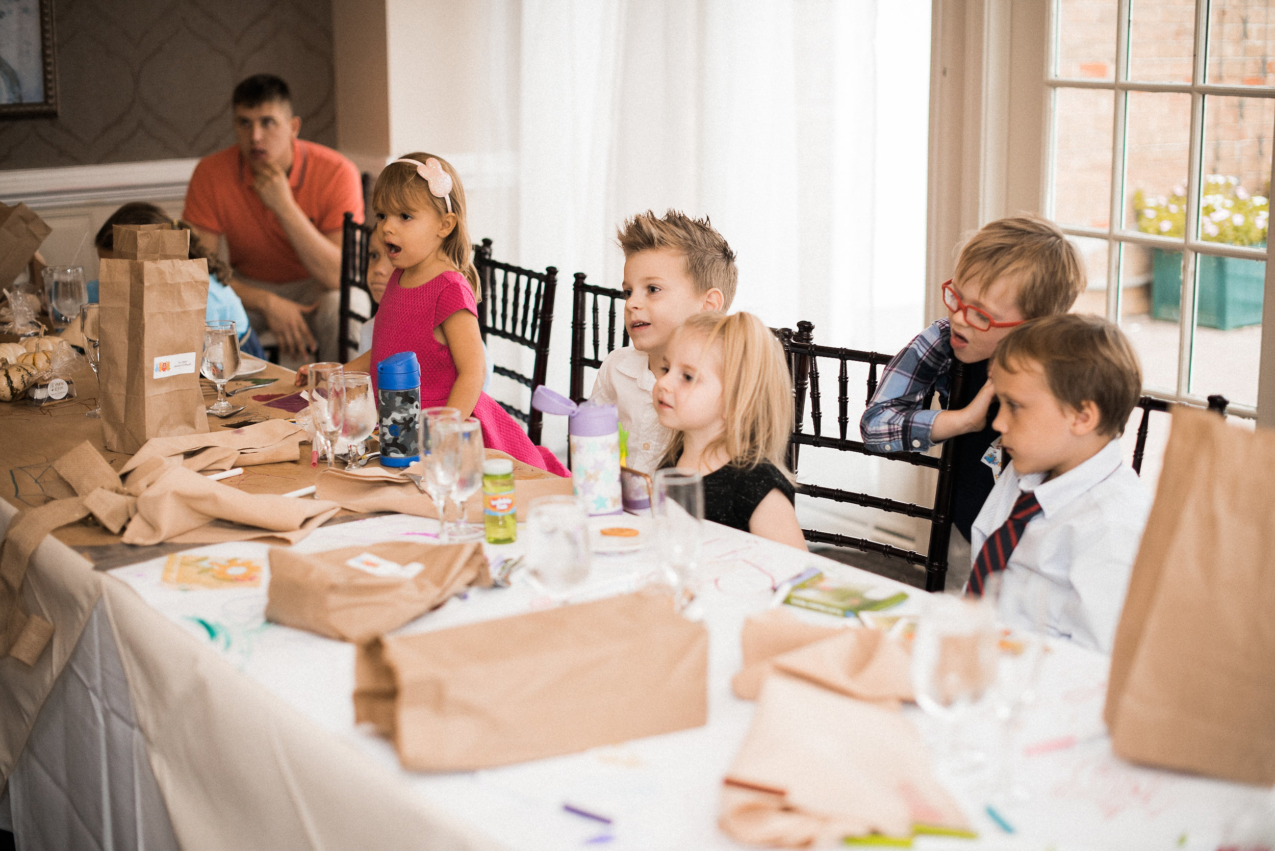 Kids at kids table at wedding
