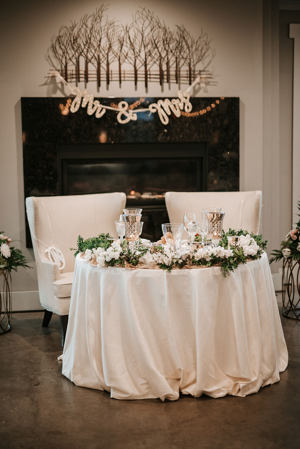 Sweetheart table at Blue Valley Vineyard