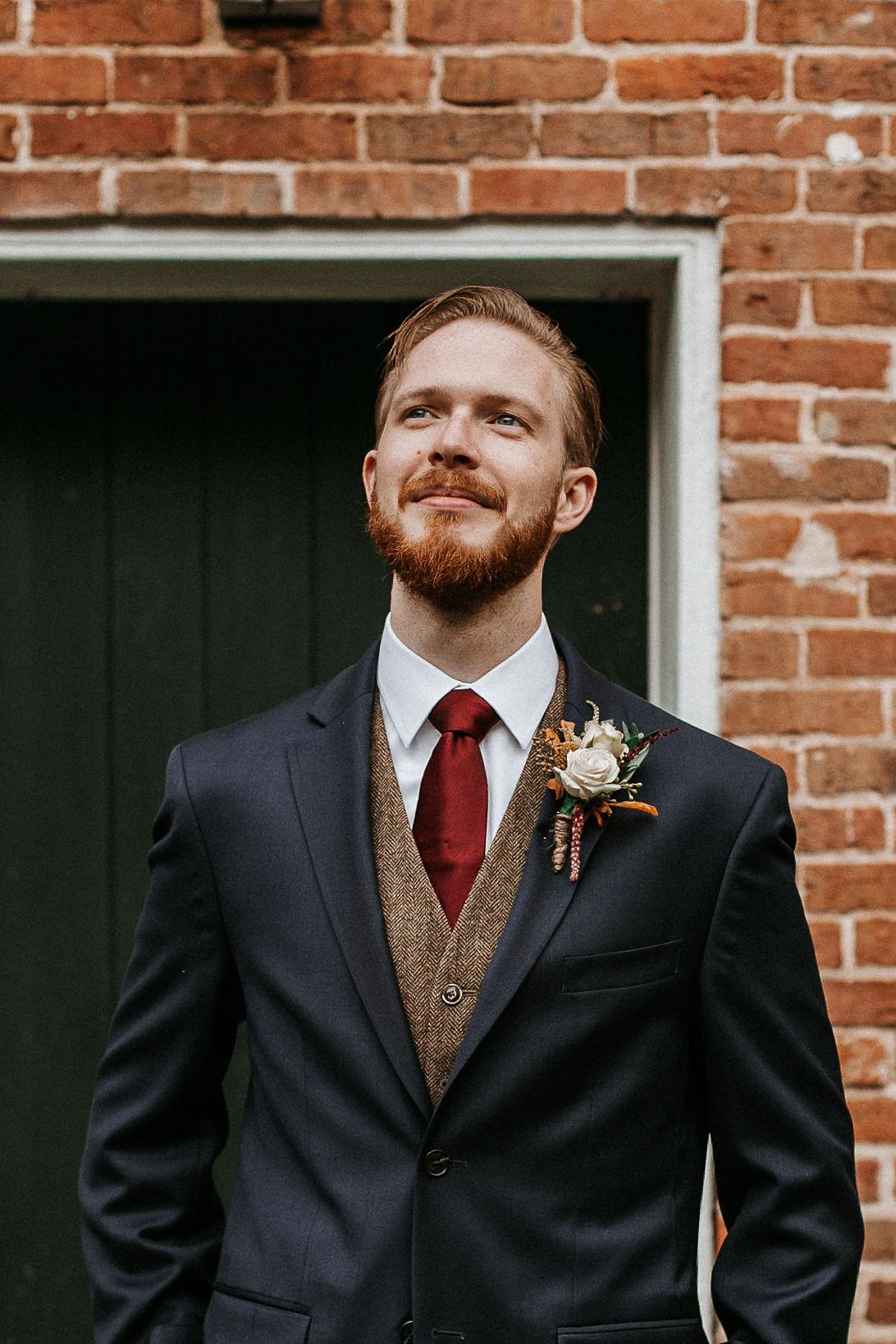 groom portrait at Braehead Manor