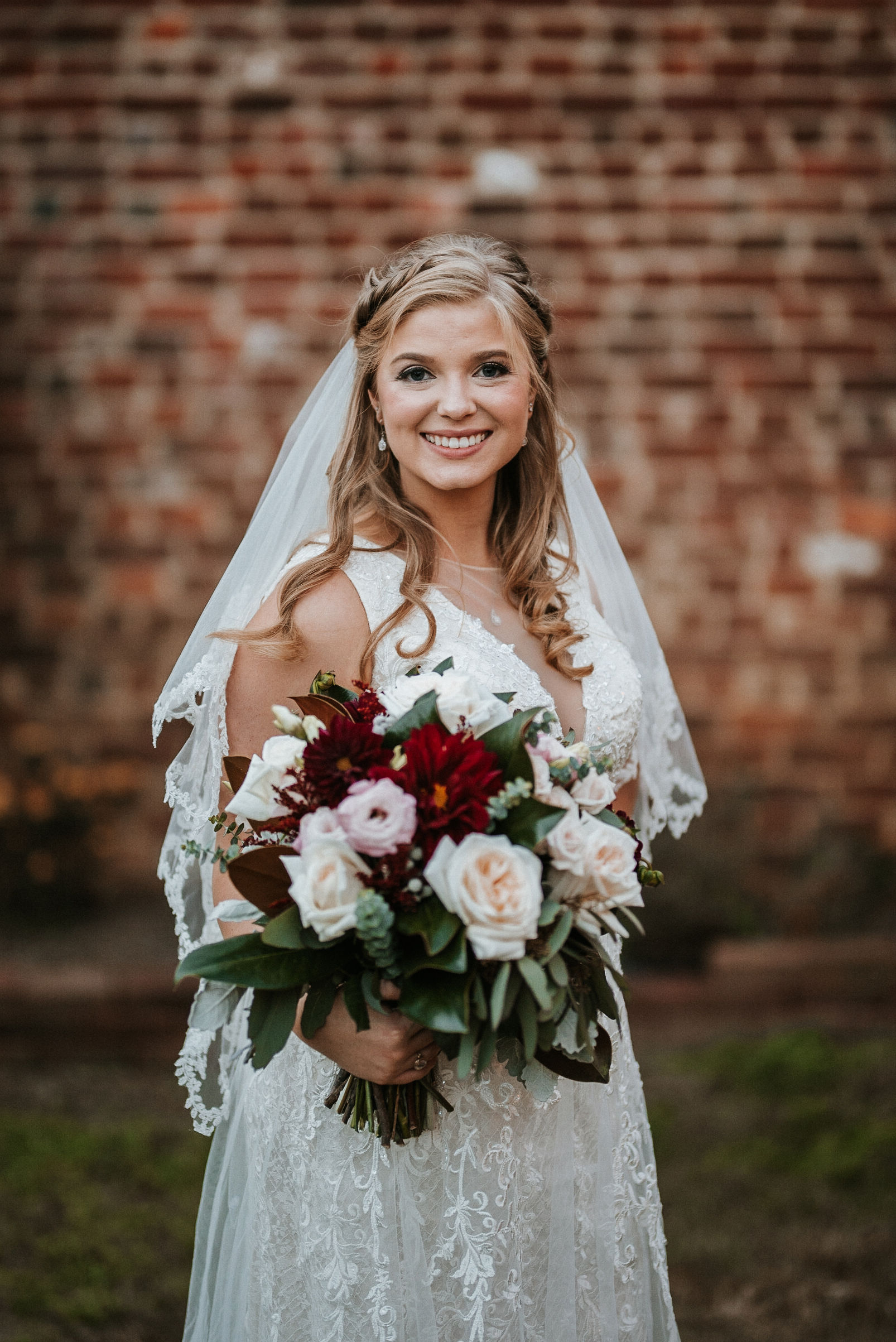 bridal portrait at the inn at the silk mill