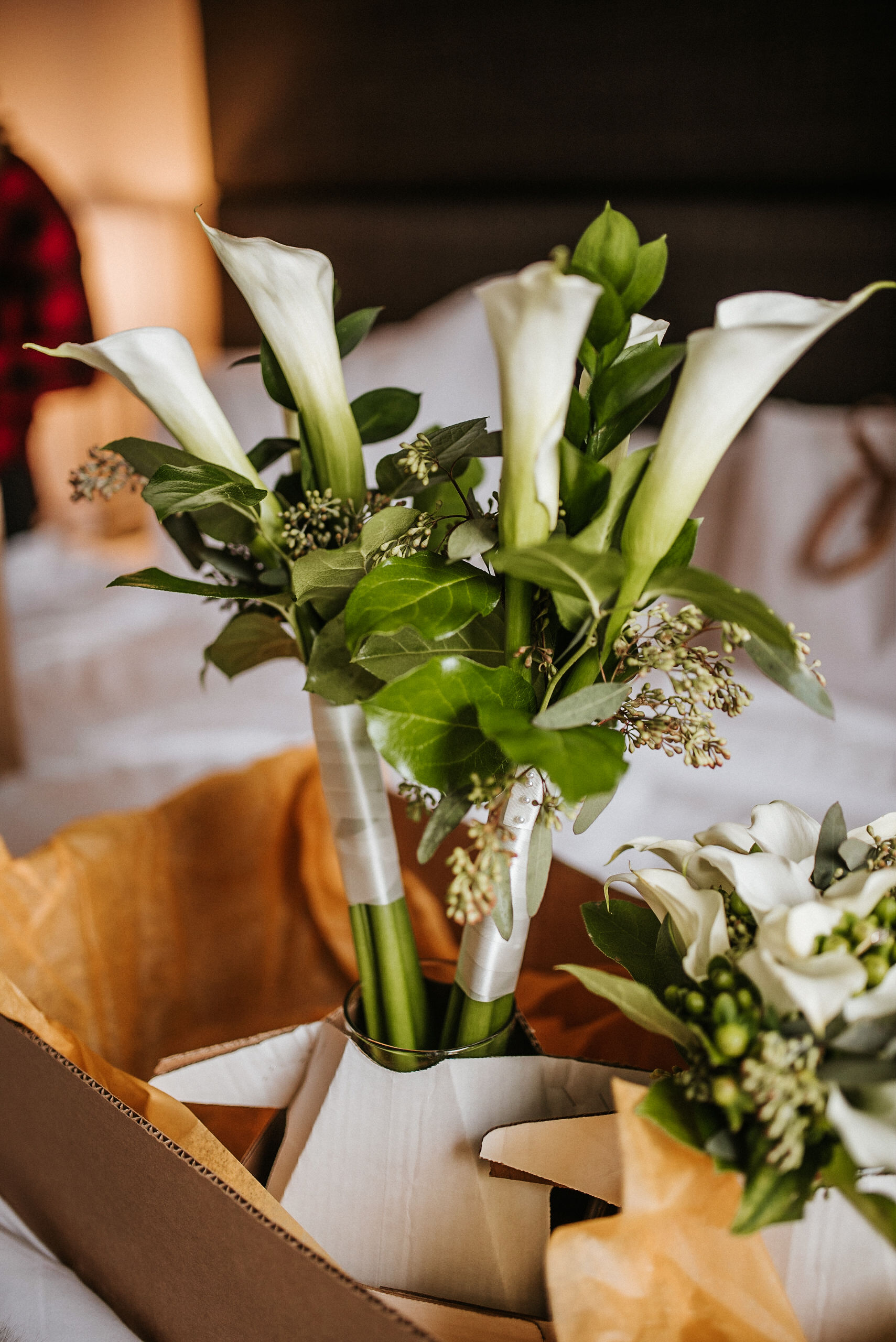 detail shot of wedding flowers at the kimpton carlyle hotel