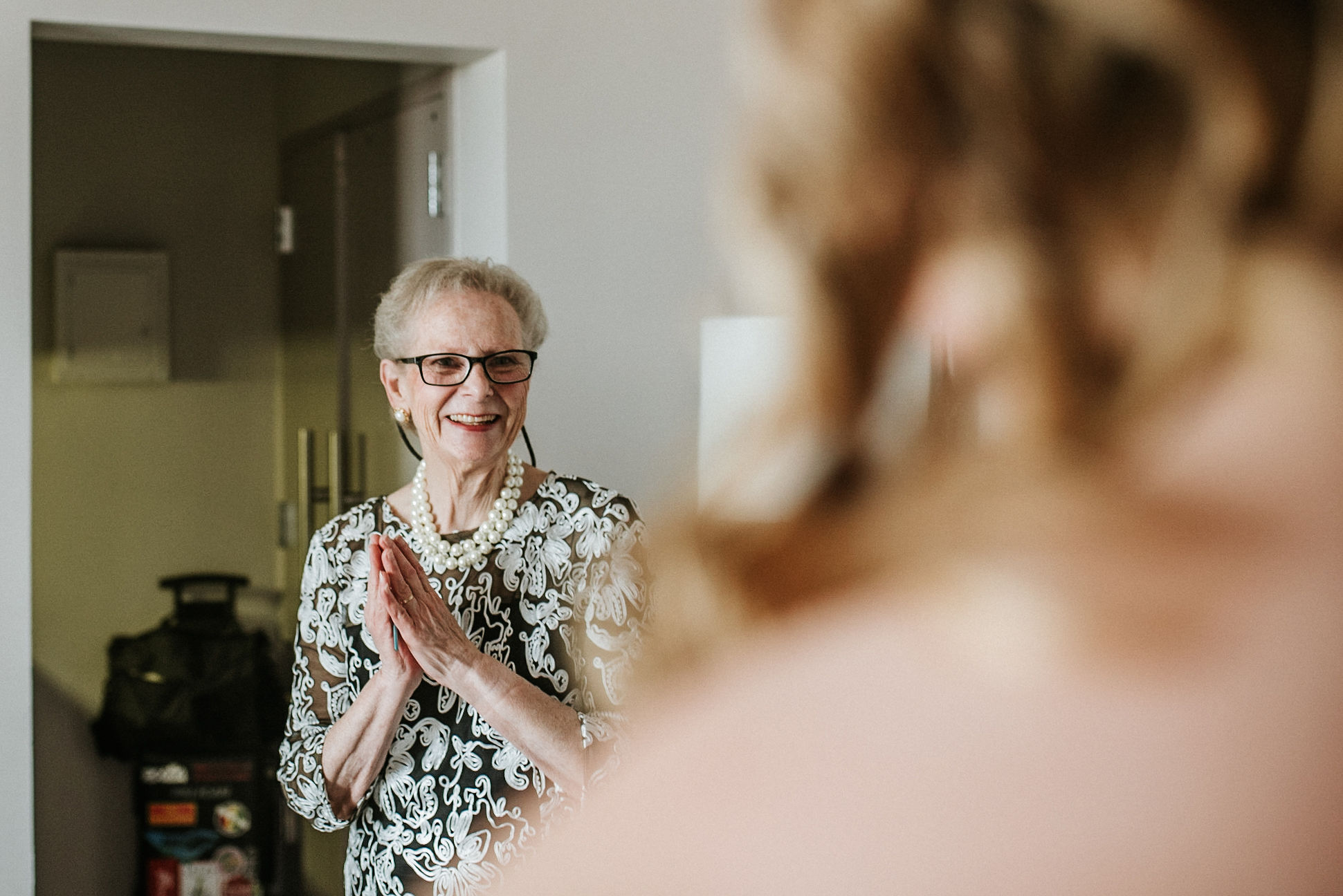 mother of the bride seeing bride for the first time at the kimpton carlyle hotel