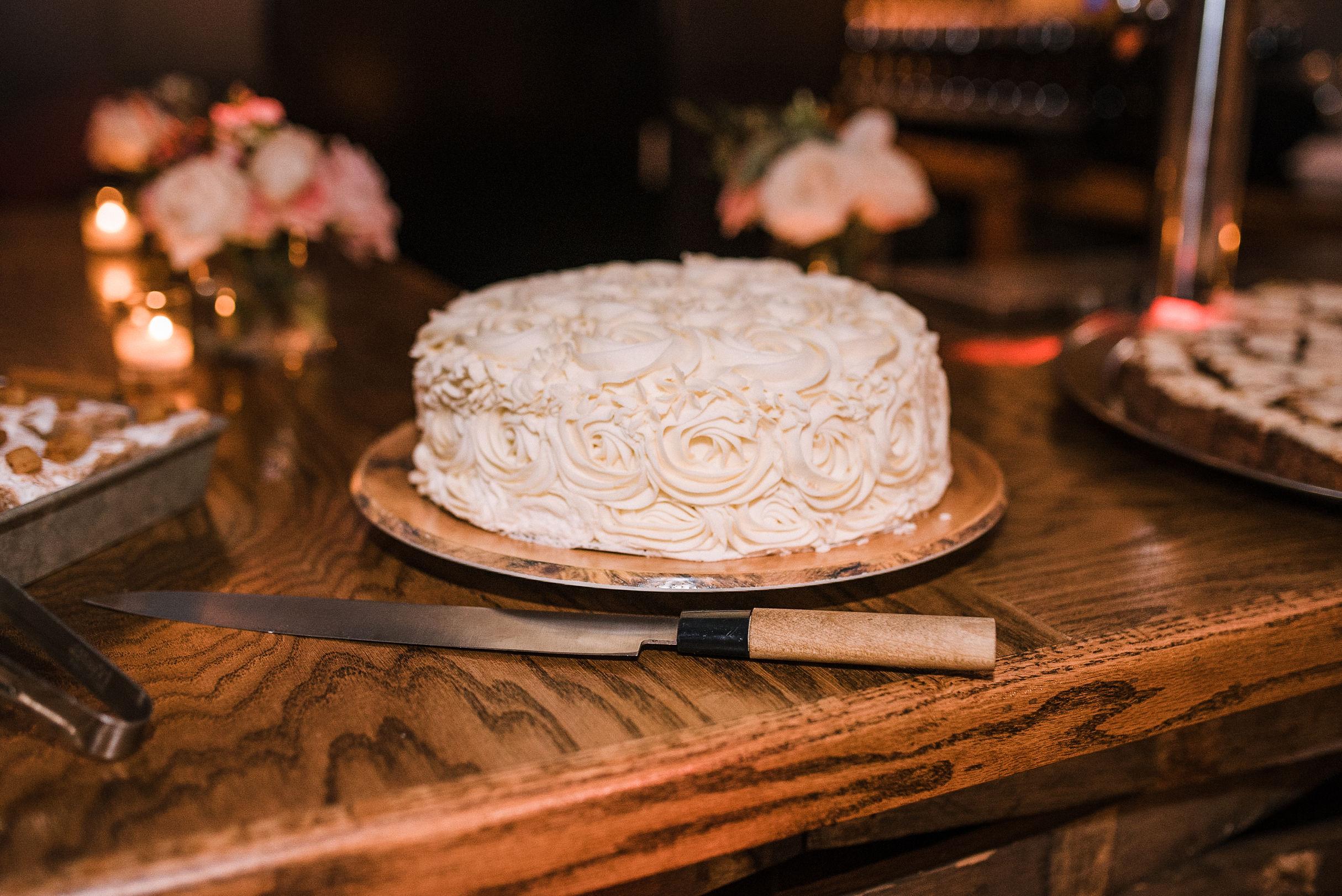 wedding cake detail shot at City Winery in Washington DC