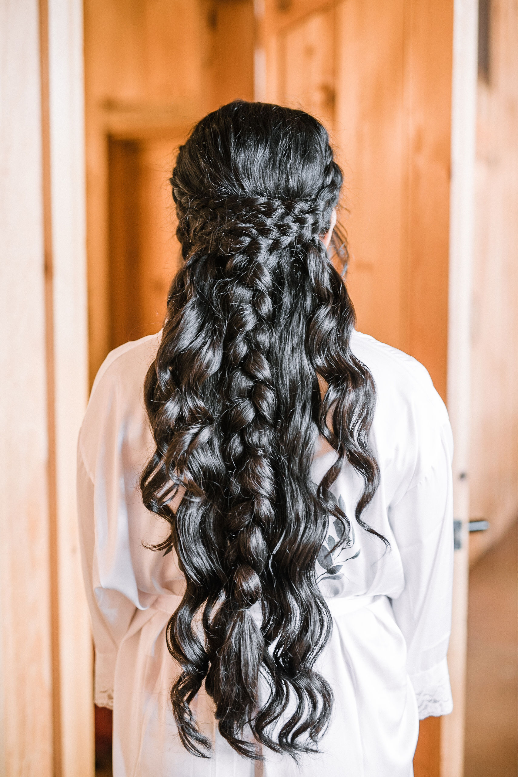 bride's wedding day hairstyle at the Faithbrooke Barn & Vineyards