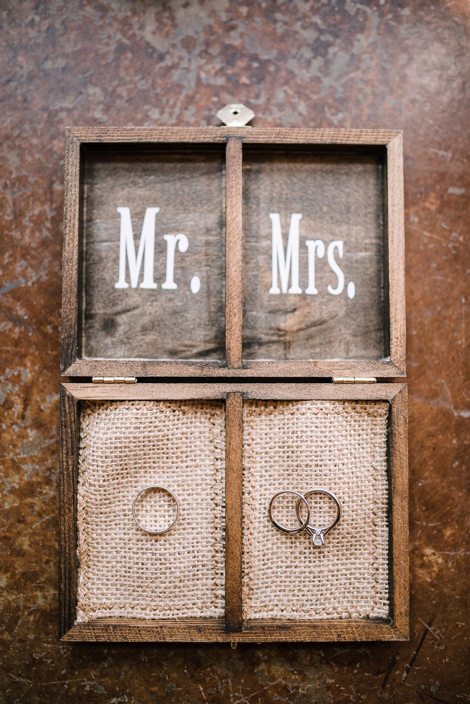 detail shot of wedding rings at the Faithbrooke Barn & Vineyards