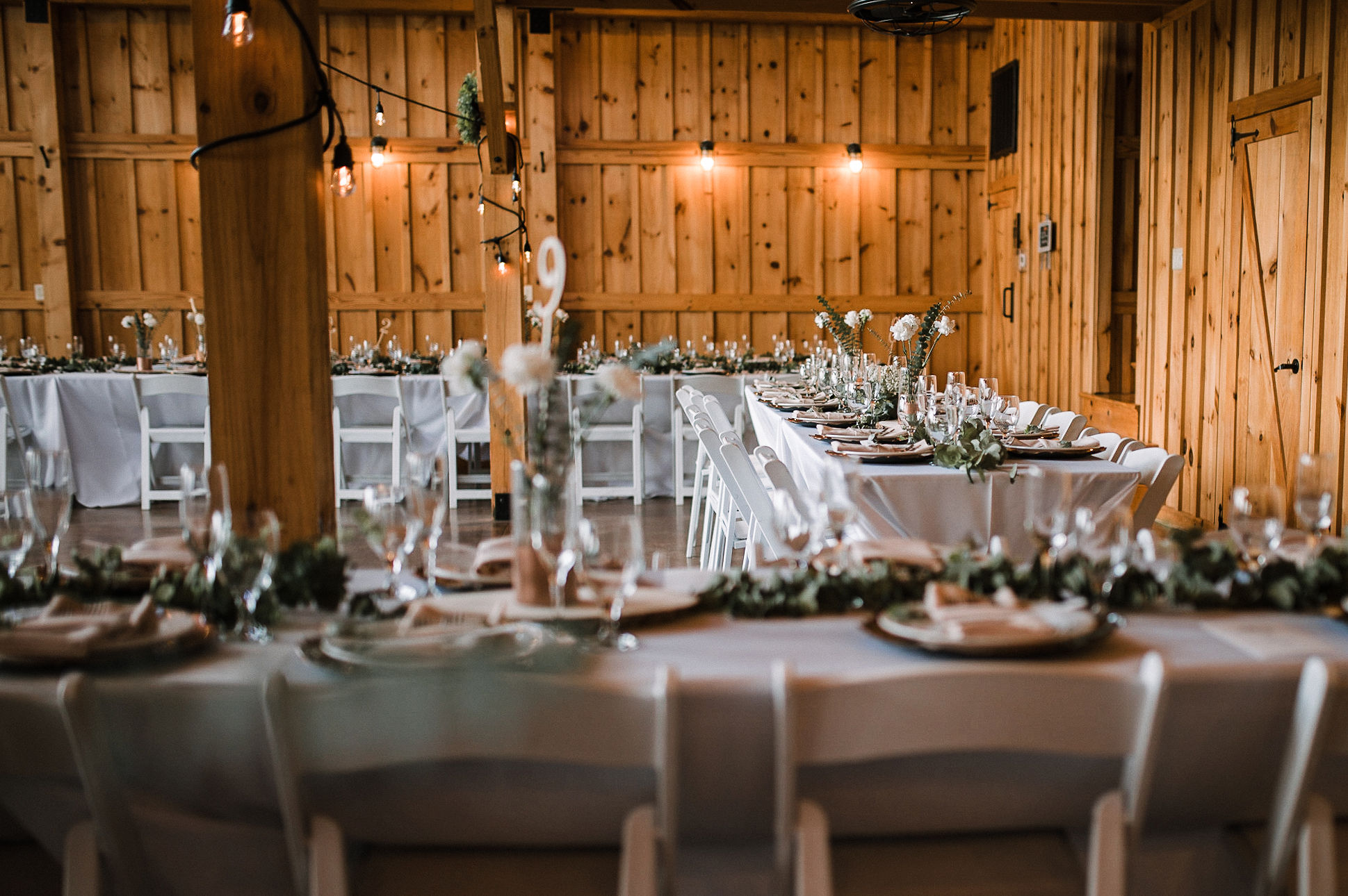 reception details at the Faithbrooke Barn & Vineyards