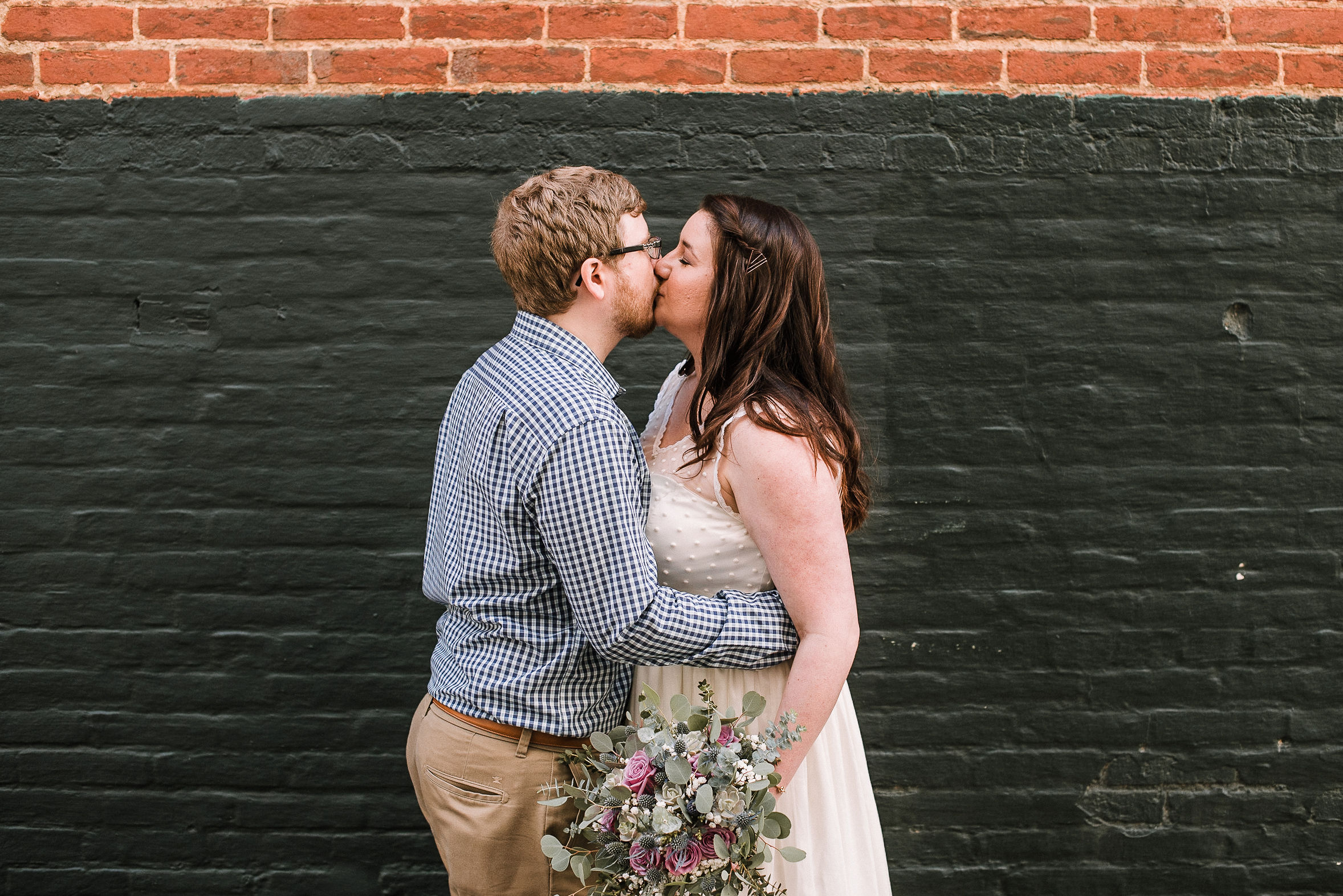 bride and groom kissing at Frederick, Maryland