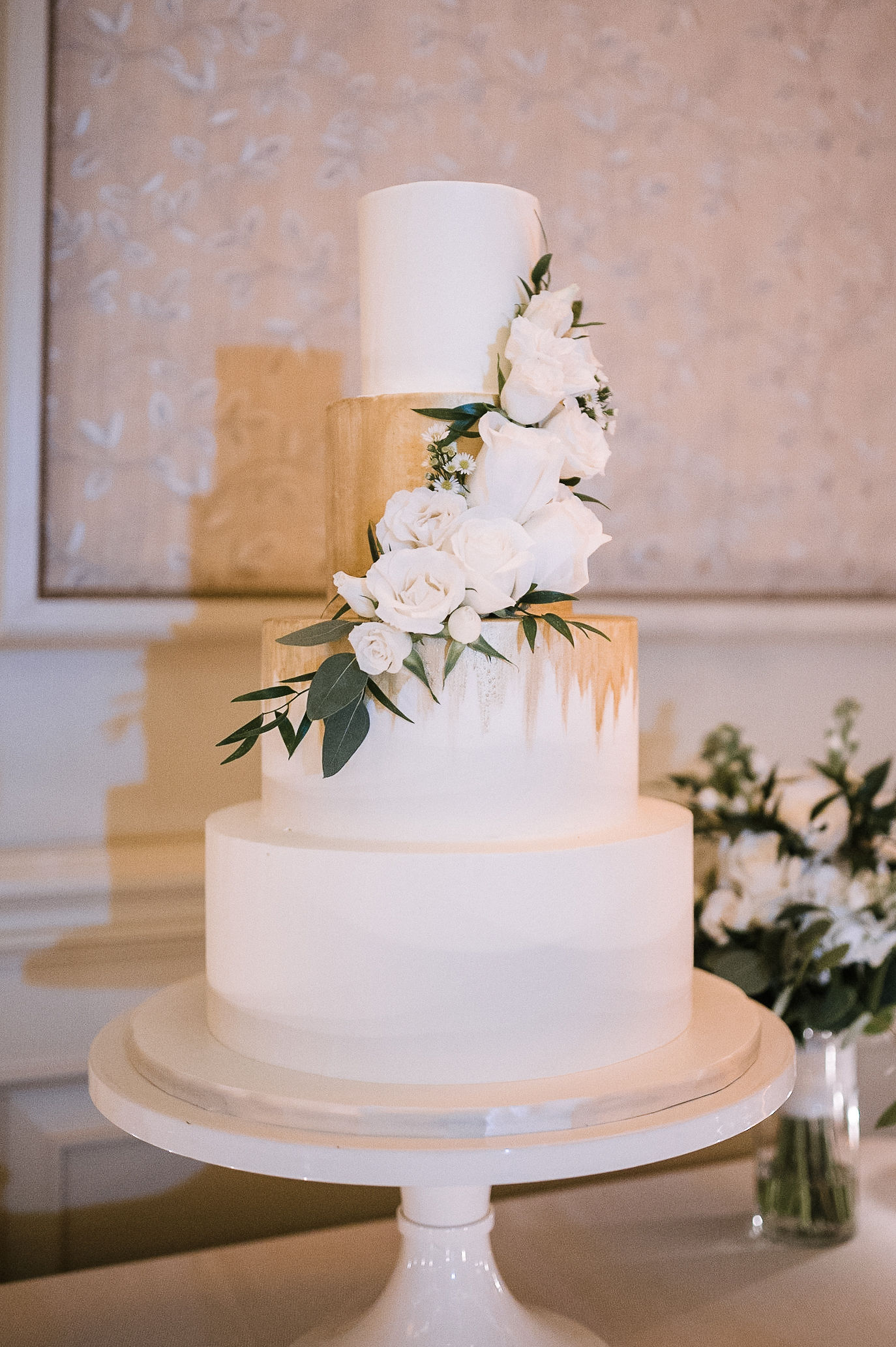 detail shot of wedding cake at The Salamander Resort