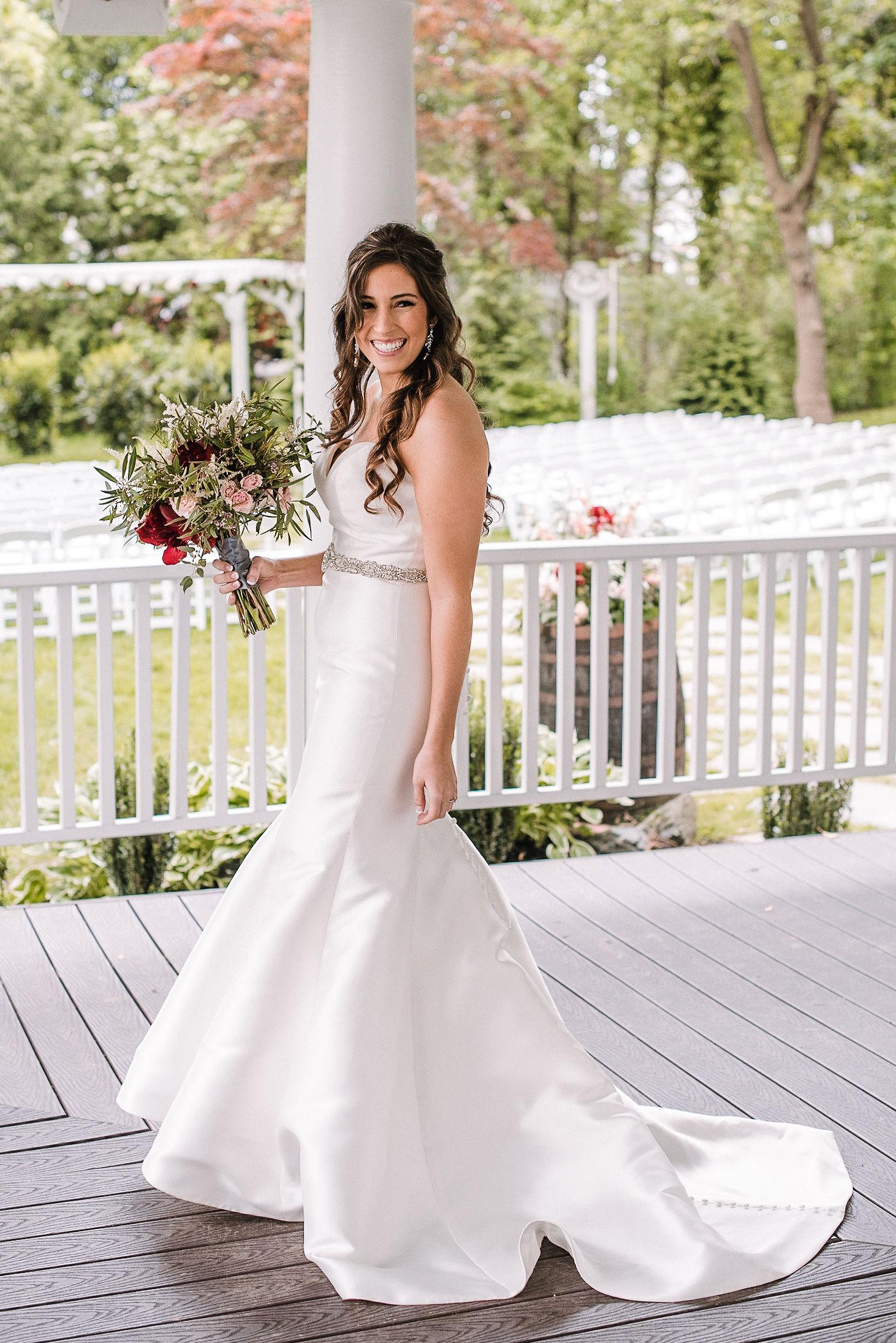 bridal portrait at Seasons at Magnolia Manor