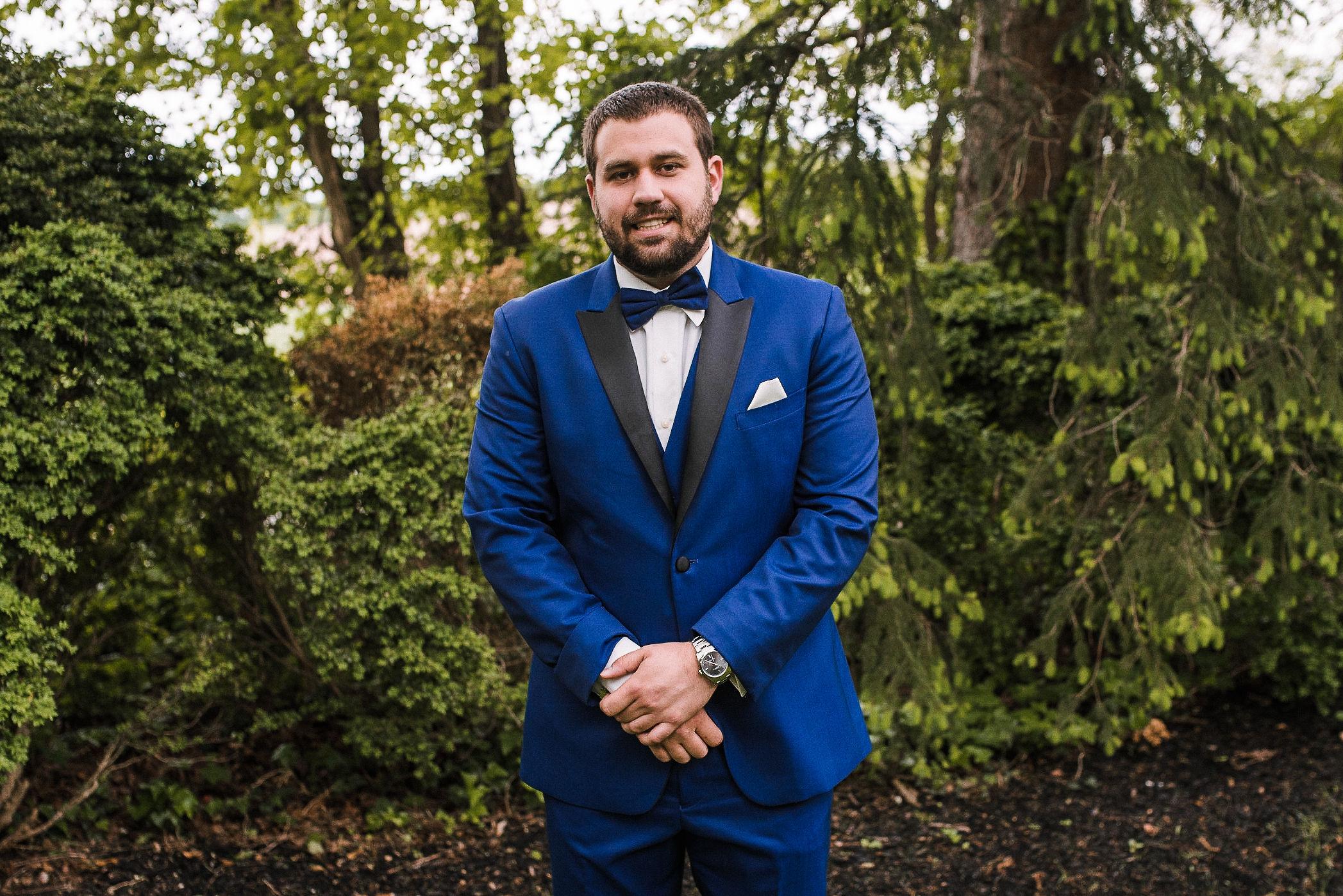 groom portrait at Seasons at Magnolia Manor