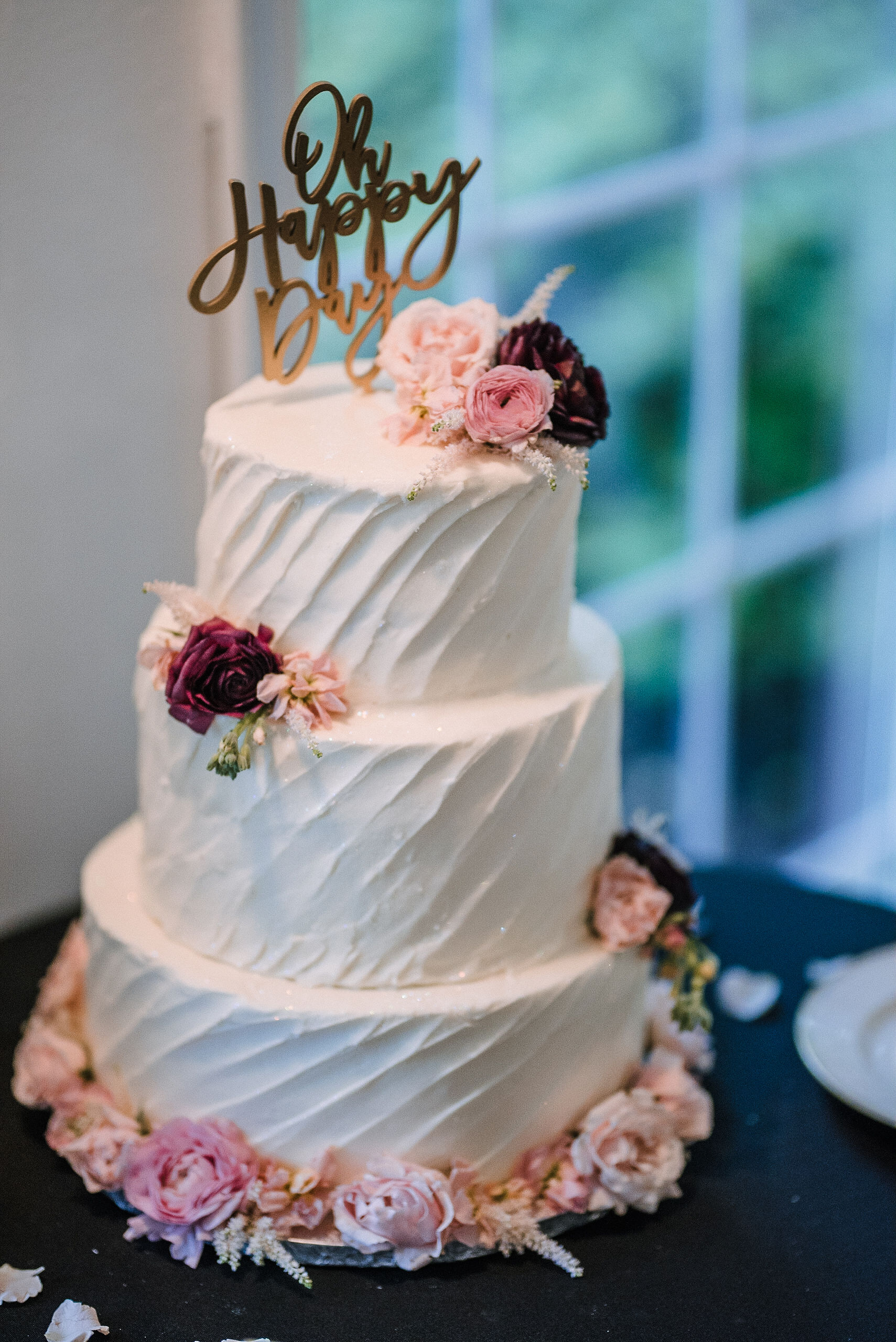 detail shot of wedding cake at Seasons at Magnolia Manor