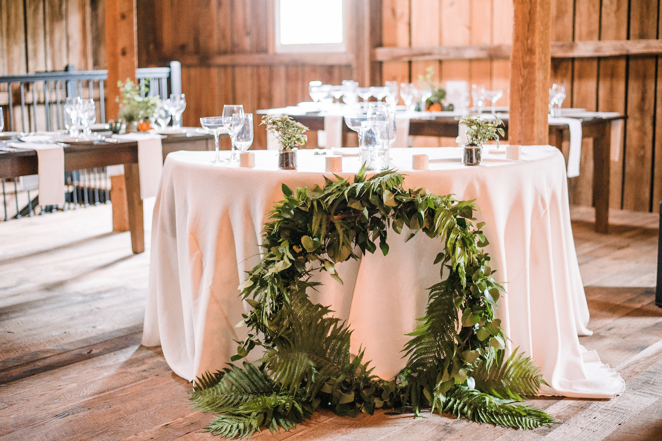 head table reception details at tranquility farm