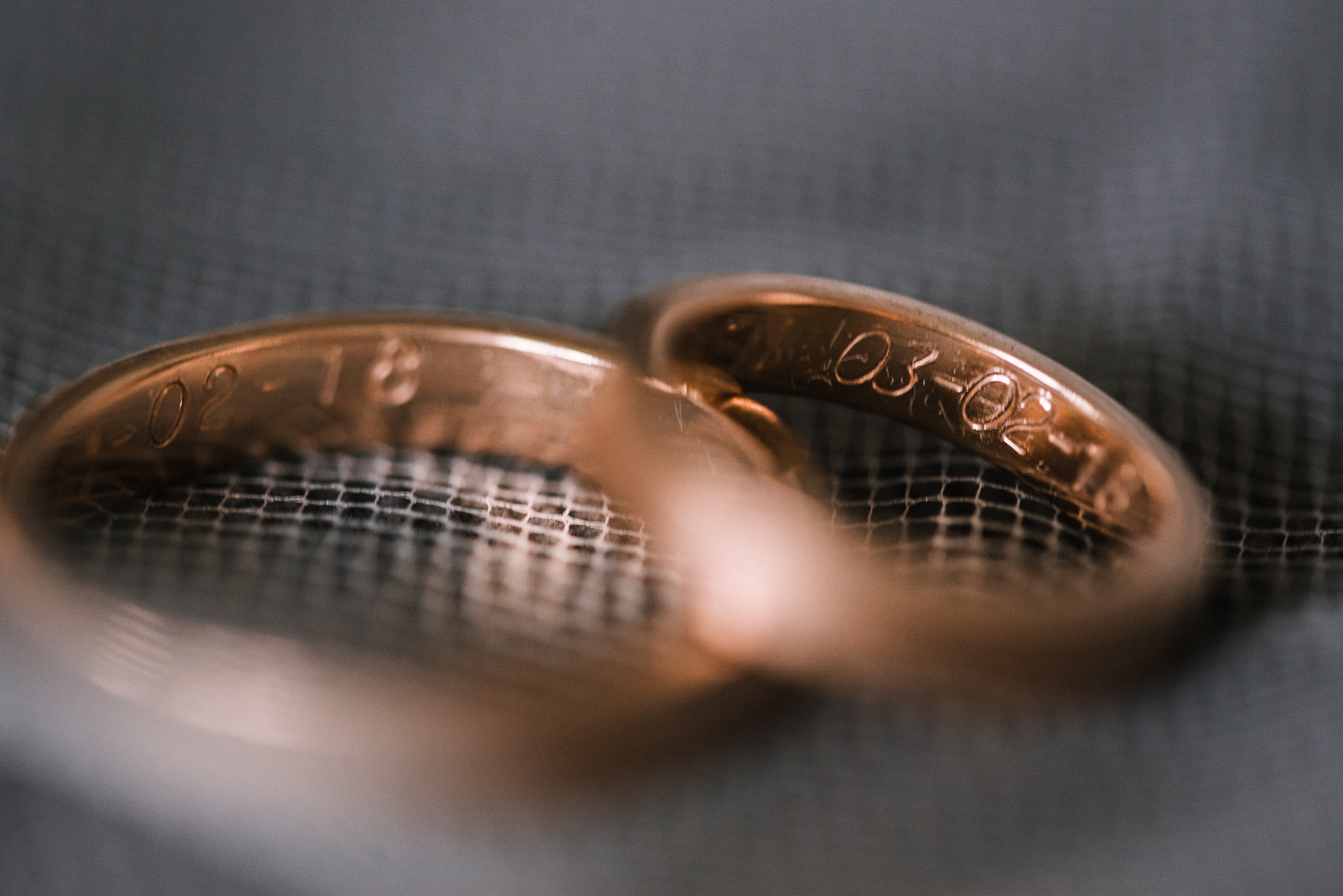 detail shot of wedding rings at Bluemont Vineyard