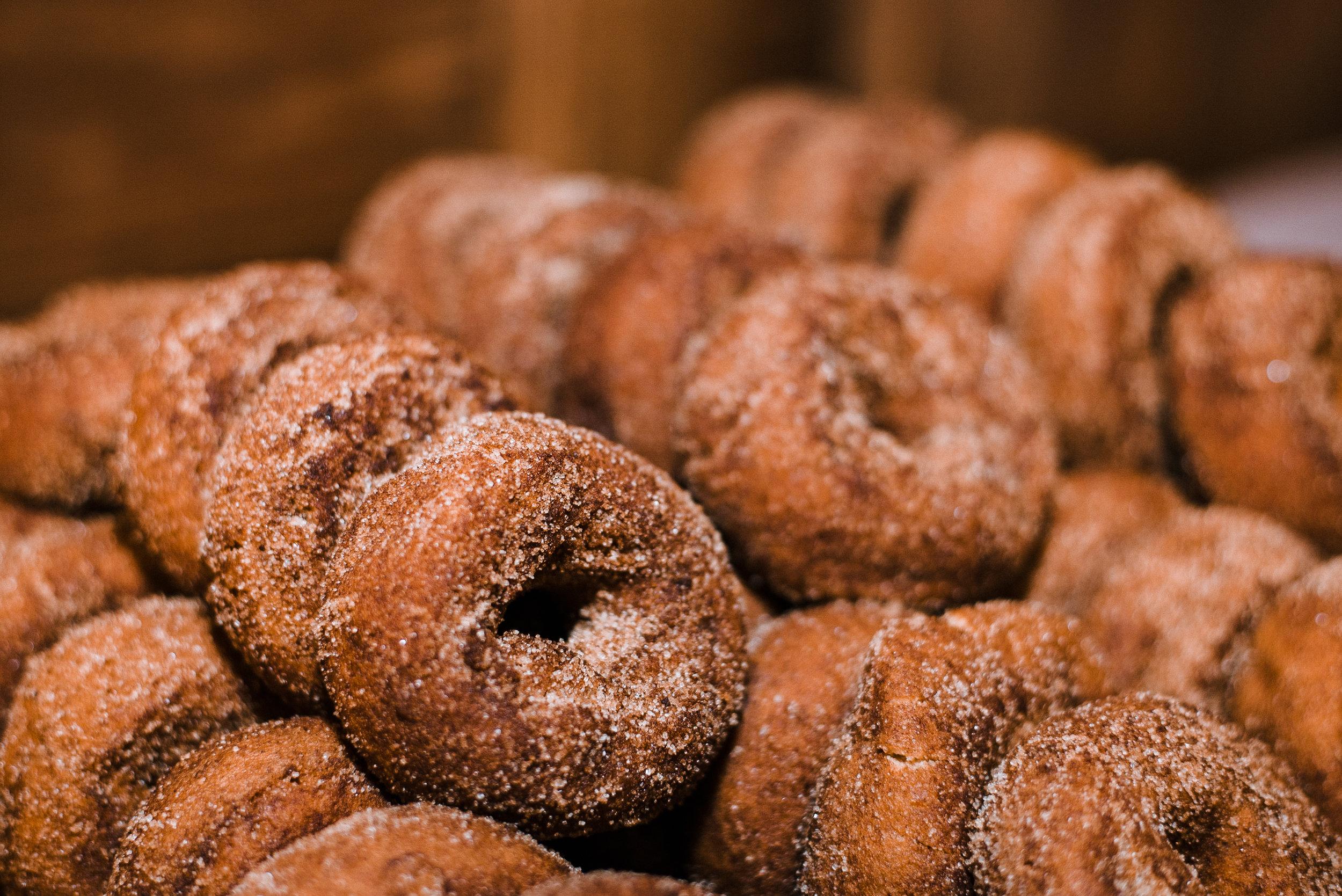 detail shot of wedding donuts at Bluemont Vineyard