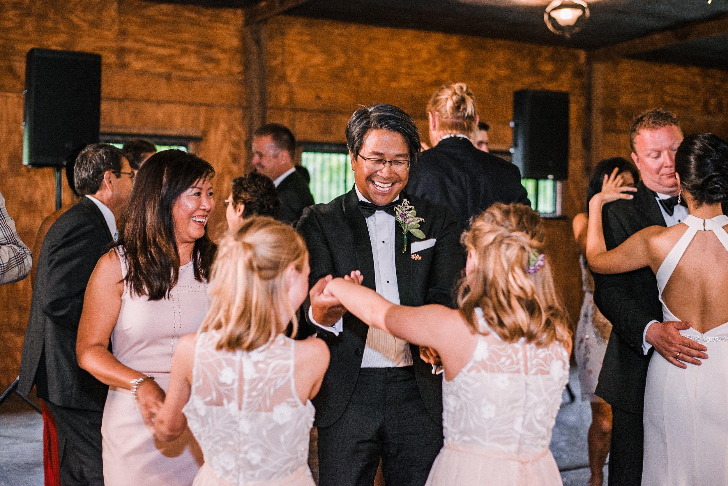 guests dancing at reception at Bluemont Vineyard