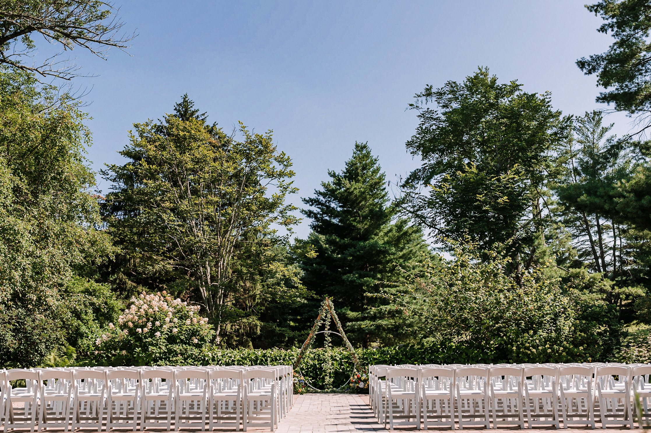 detail shot of ceremony site at Airlie