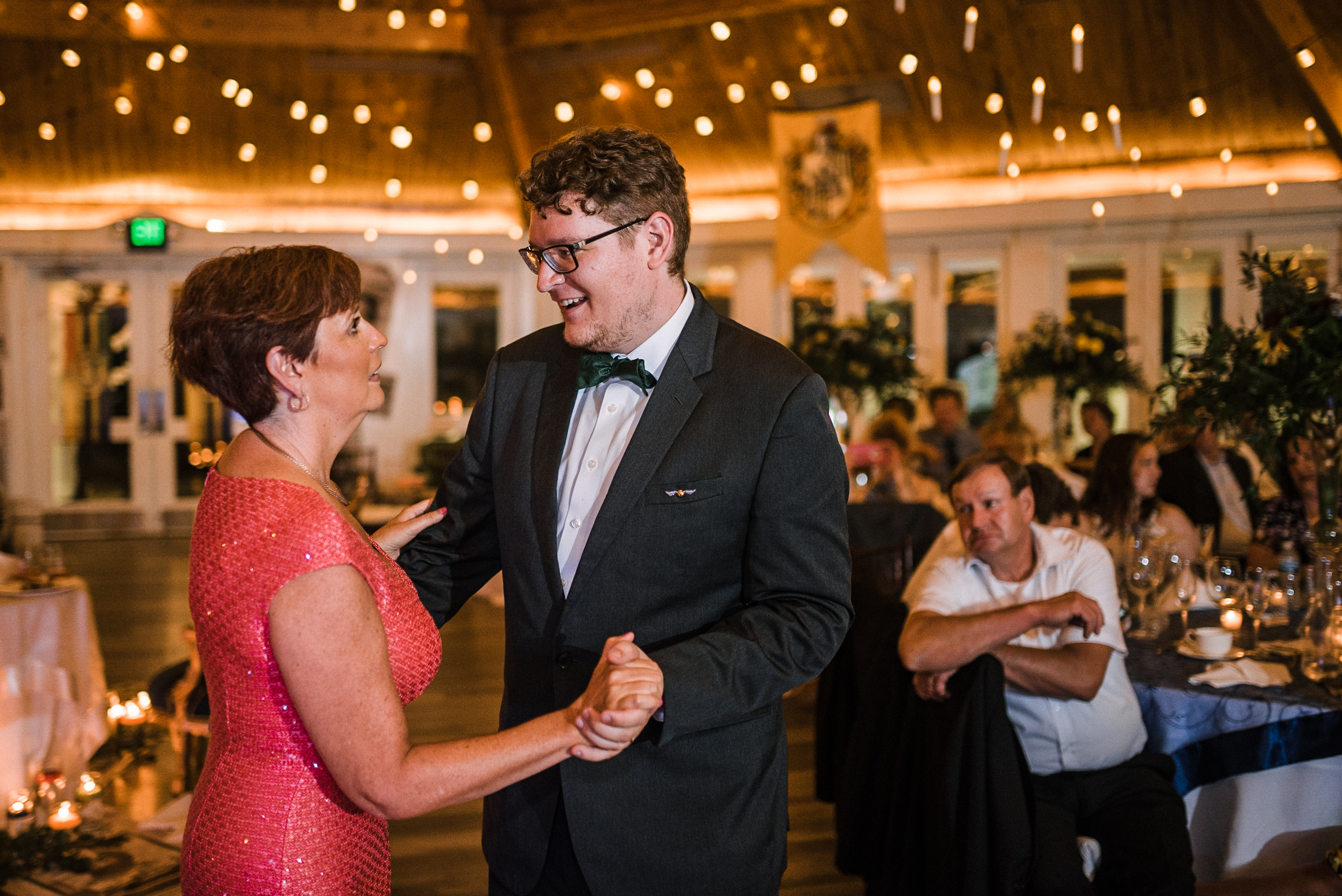 groom dancing with mother at Airlie