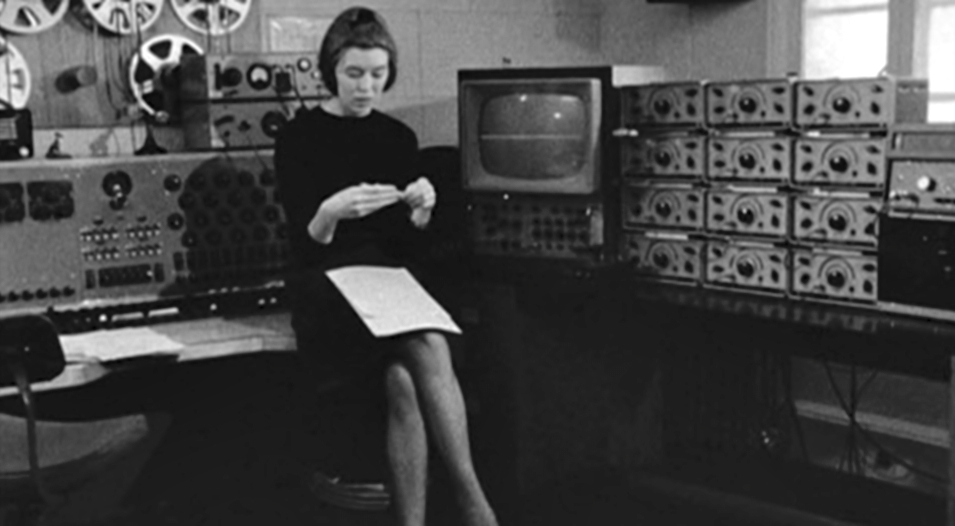 Delia Derbyshire with the Jason valve oscillators