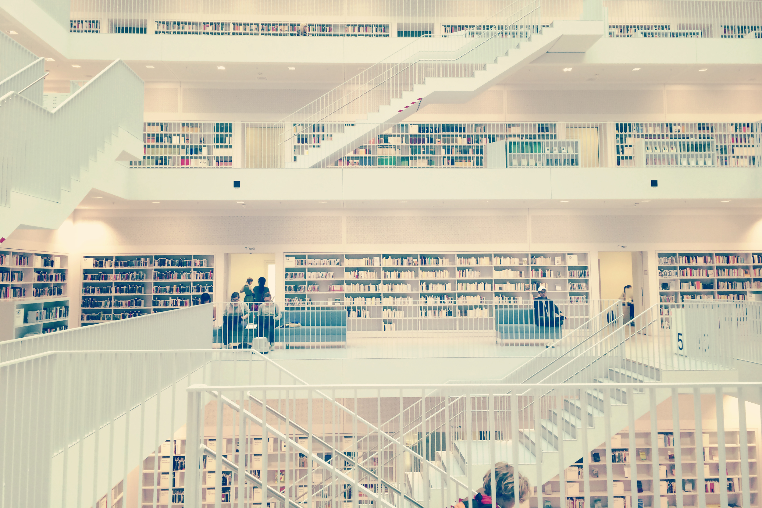 I got my library card to the Stuttgart Library! WOW, isn't it neat? Some people hate the minimal modern look, but I kind of love it.