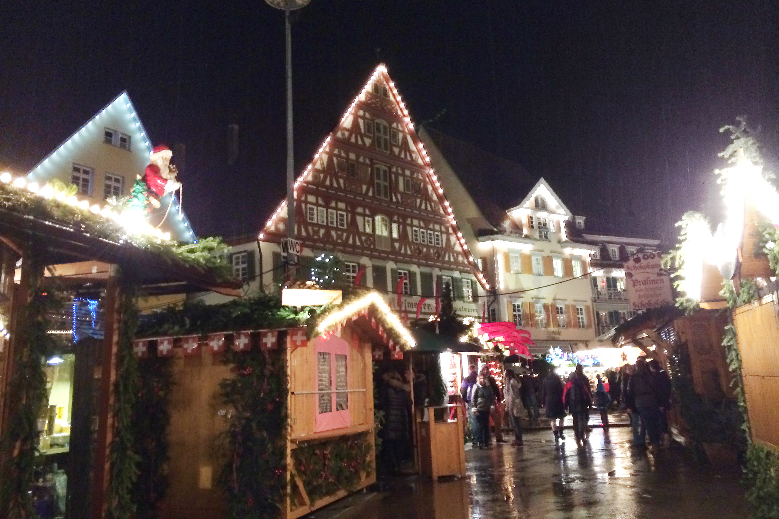 It looks like the perfect Gingerbread town :)