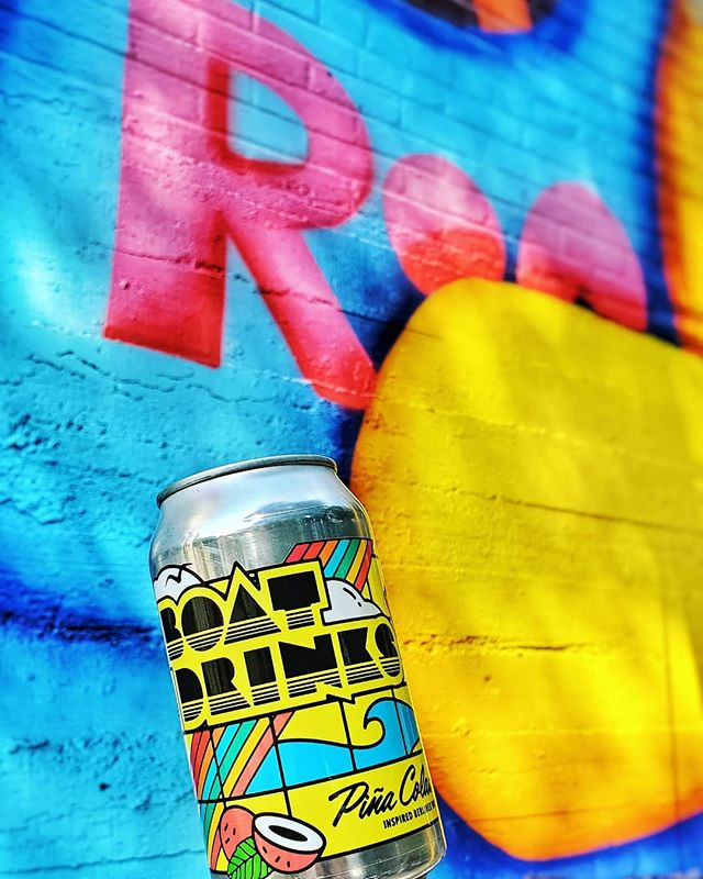 Not many things better than an ultra-tasty local brew on a gleaming southern morning while watching @rifrafgiraffe finish painting for @paintmemphis123 🍻🎨🍻 #CrosstownBrewingCo #craftbeer #localbeef #drinklocal #memphis #paintmemphis #paintmemphis2019 #muralfestival #rifrafgiraffe #mural #muralpainting #muralsdaily #sprayallday #paintallnight #killingcans #crushingwalls #urbanart #streetart #spraypaint #cantstopwontstop #BoatDrinks #PinaColada #BerlinerWeiss