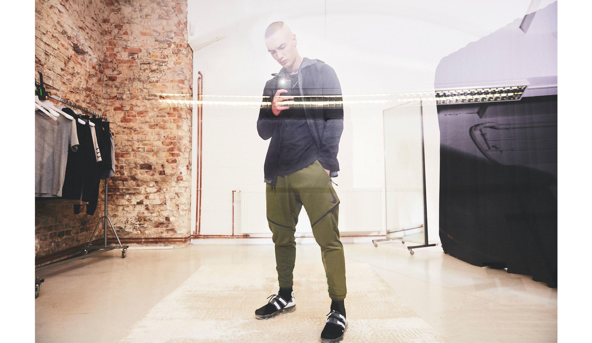 JWDTAN_Nike_WTWTW_.jpg