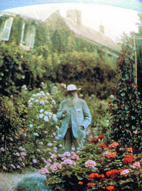 Monet-in-his-Gardeny-courtesy-Elizabeth-Murray.jpg