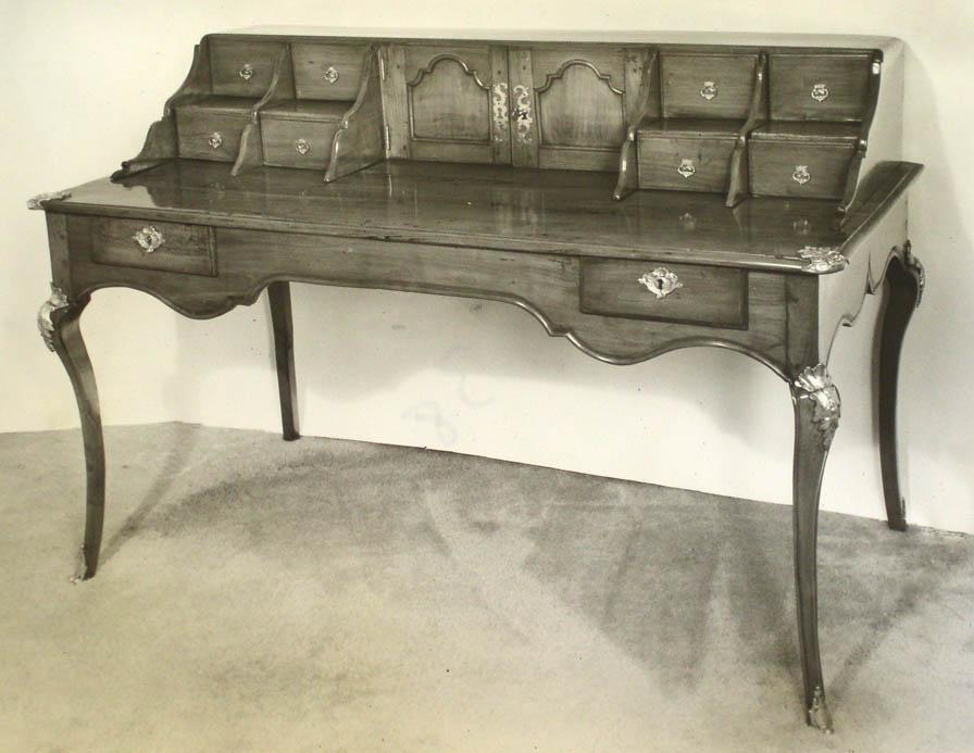 Victoria & Son file image of Desk 38 model