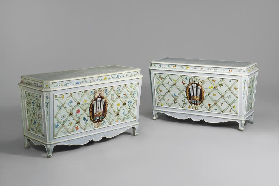 A pair of commodes by Jansen for the Duke & Duchess of Windsor, which may show the work of Fernand Renard.