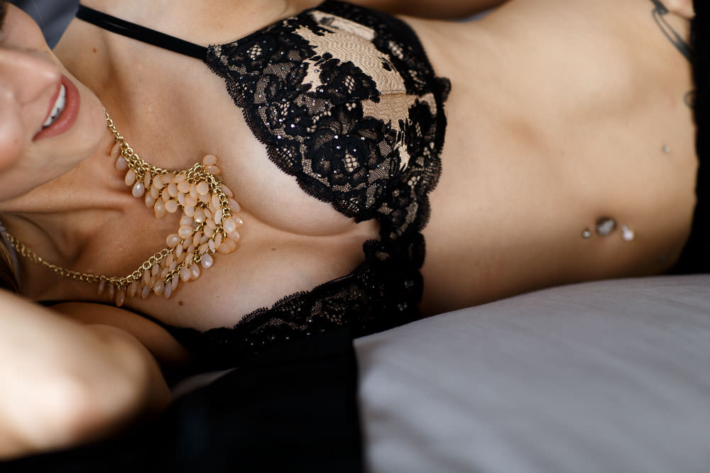 Jewelry and bling for your boudoir photo shoot in los angeles