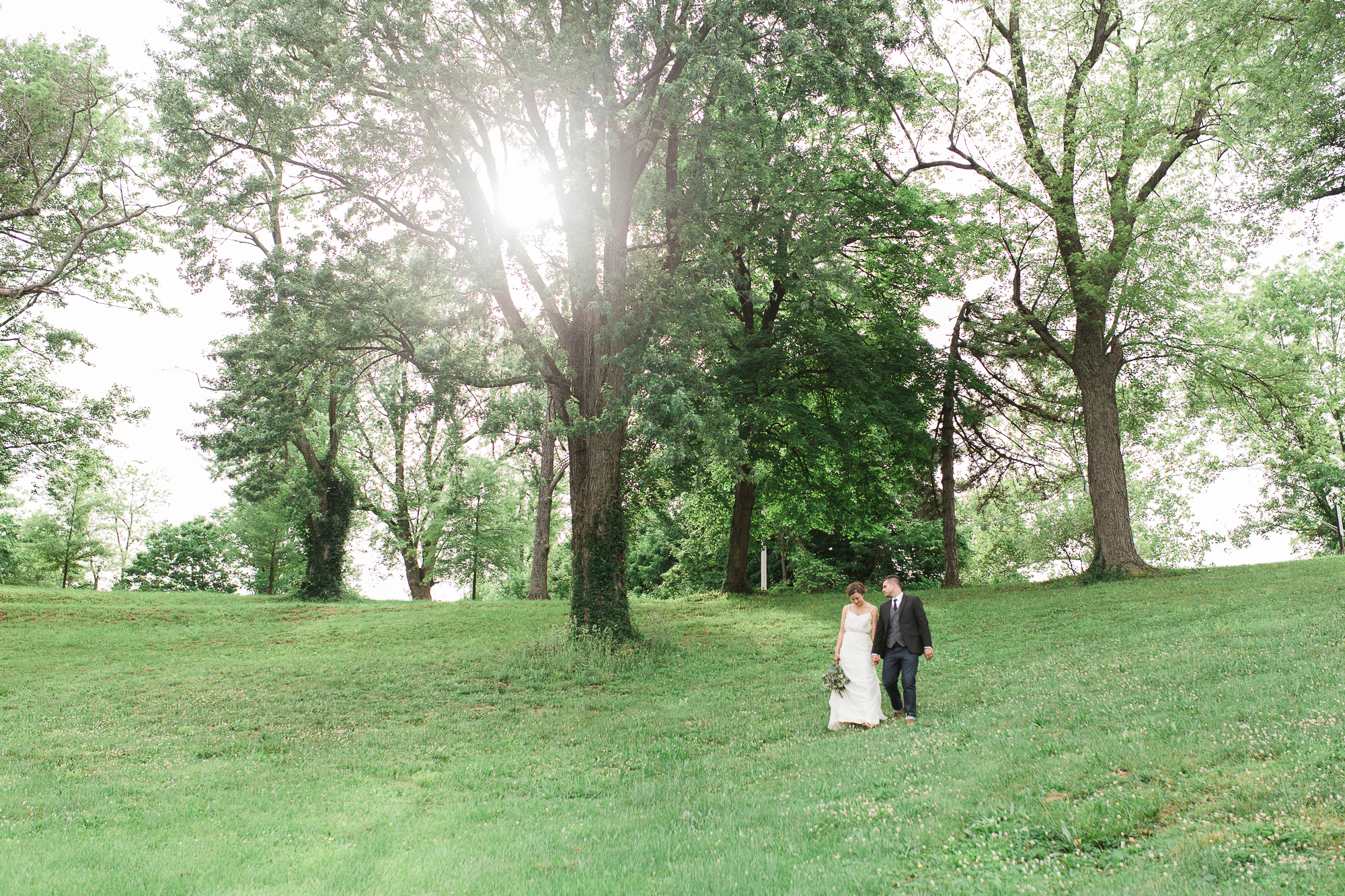 outdoor-cincinnati-wedding-photographer.jpg