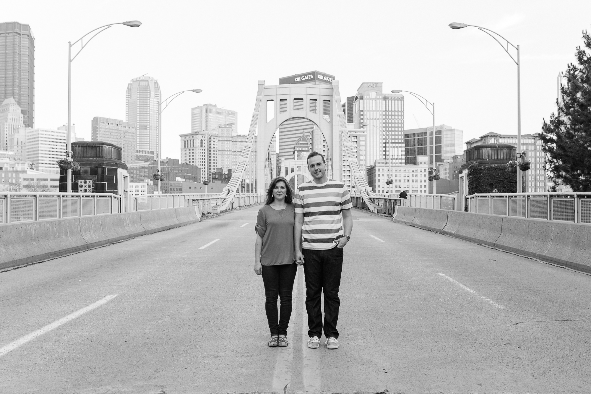 downtown-pittsburgh-engagement-photographer.jpg