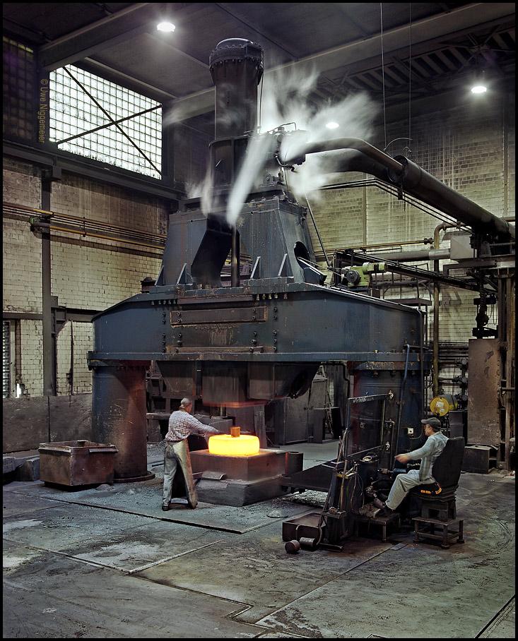 Industrial steam hammer