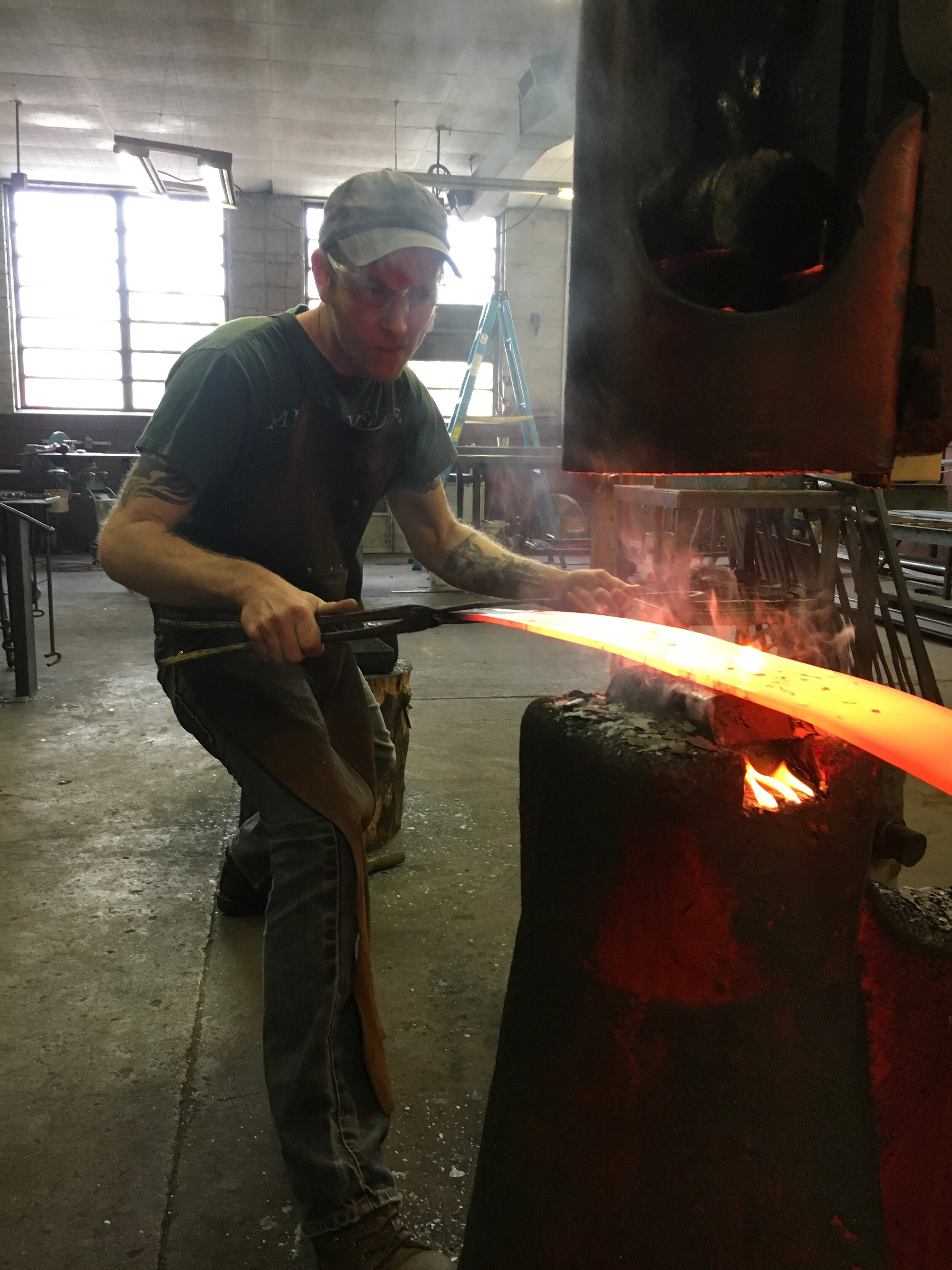 Forging tree gate branches
