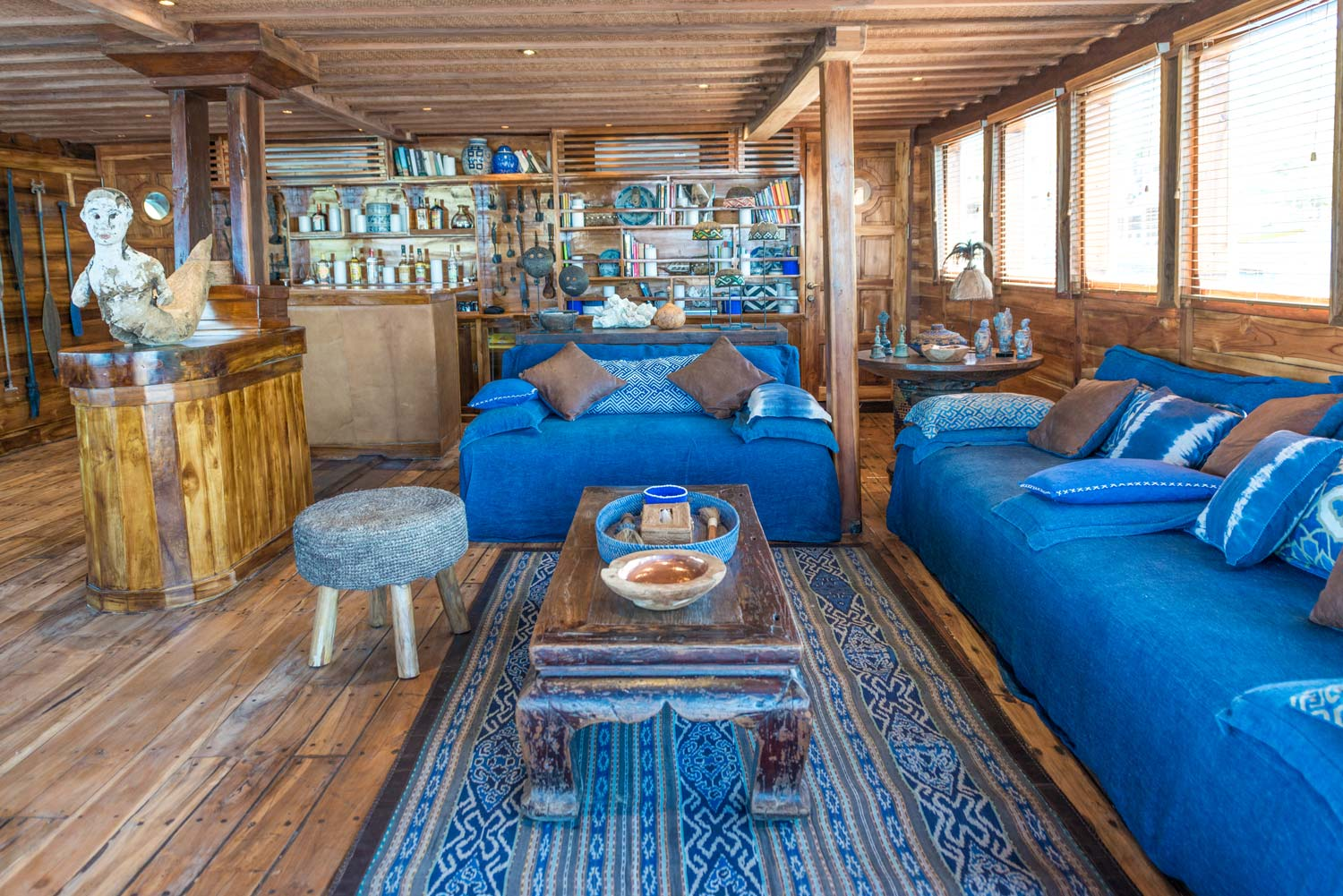 Ocean-Pure-living-area-couch.jpg