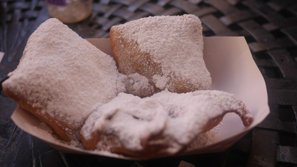 Beignets are a perfect food and I would like to eat one every single day.