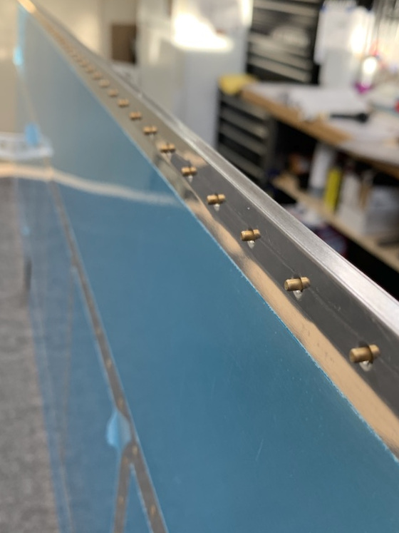 Placing the rivets