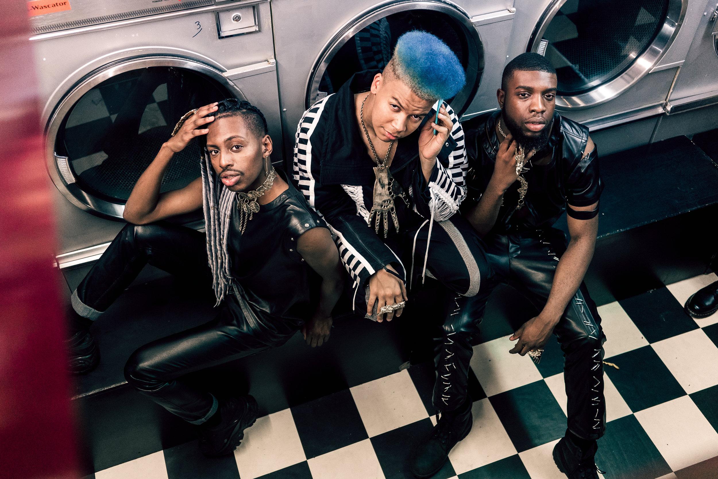 Boys in black Namali -09091.JPG