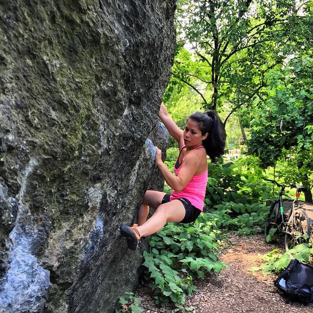 _tryhardface_on__worthlessboulder_in__centralpark__outdoorfest__OFNYC15__trippixapp__bouldering_by_bklynjunglebook.jpg