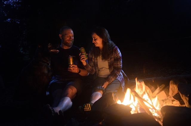 The best way to spend a Saturday night? Around a campfire with friends, enjoying a refreshing brew. 🍻 • *Sponsor Highlight* We can't believe that this is our FOURTH year teaming up with @SierraNevada. We can't wait to spend the day hiking and relaxing and then our evenings under the stars with a refreshing brew. • Plus, this year, Sierra Nevada will be challenging all of YOU to commit to cleaning up trails in our area because guess what, OutdoorFest Campout is on #NationalTrailsDay. • Thank you @sierranevada for believing in the OutdoorFest vision and supporting us over these many years. • Photo 1 by @stephenelliot (also a four year OutdoorFest-er!) and Photo 2 by @msmoutdoors. #PaleAlesforTrails #EnjoyOutdoors #EnjoyResponsibly #outdoorfest2019