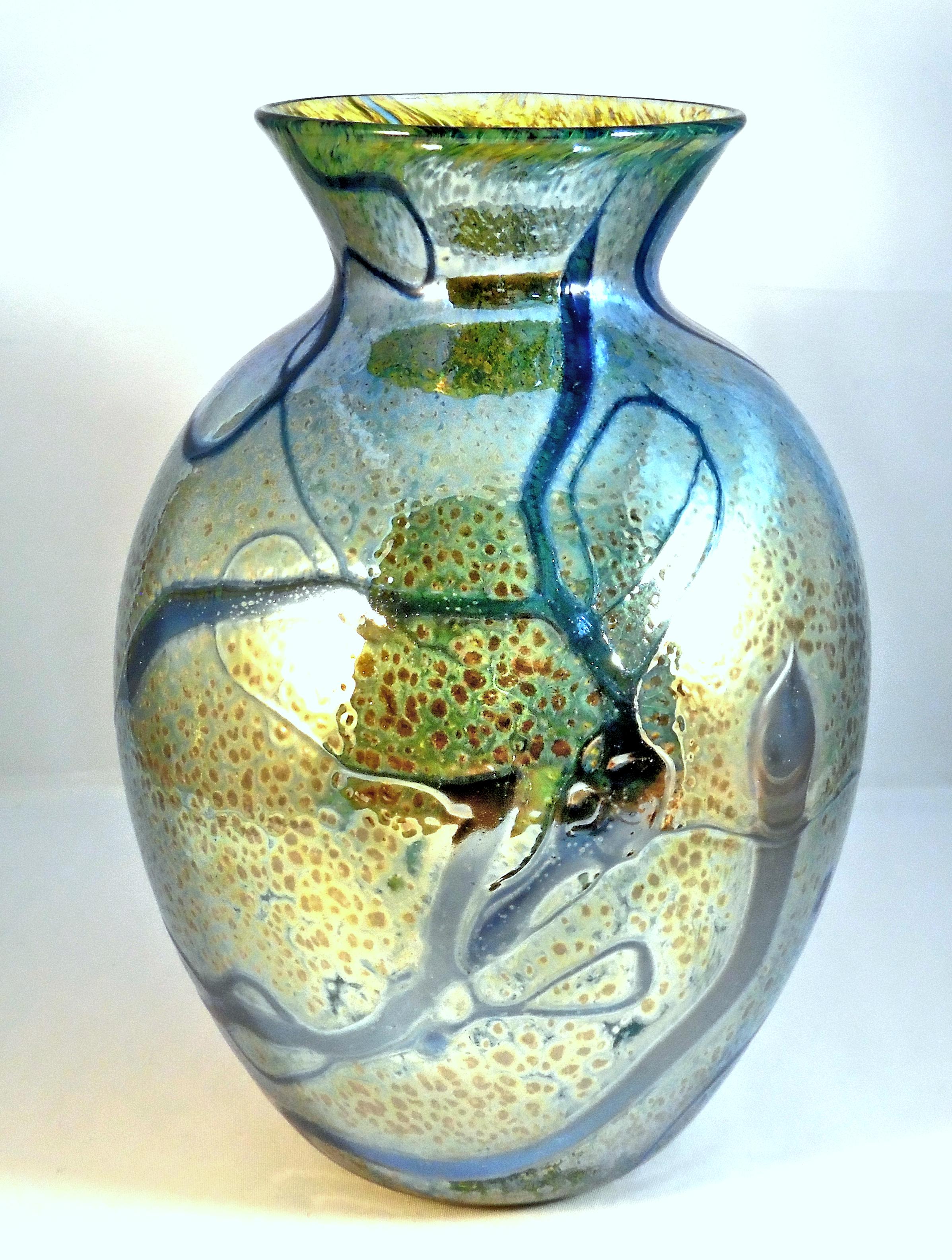 Classic Vase by Nicole Tremblay