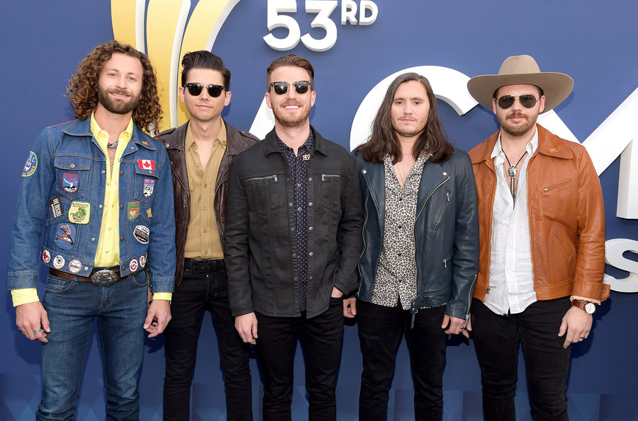 lanco-2018-ACM-red-carpet-billboard-1548.jpg
