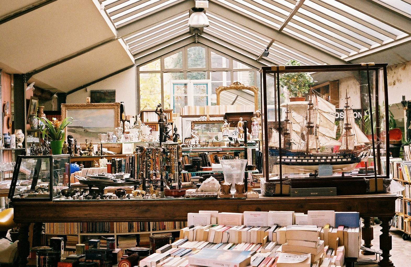 flea market in Versailles