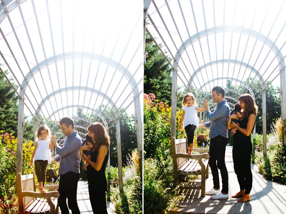 Family photos at the Minneapolis Sculpture Garden