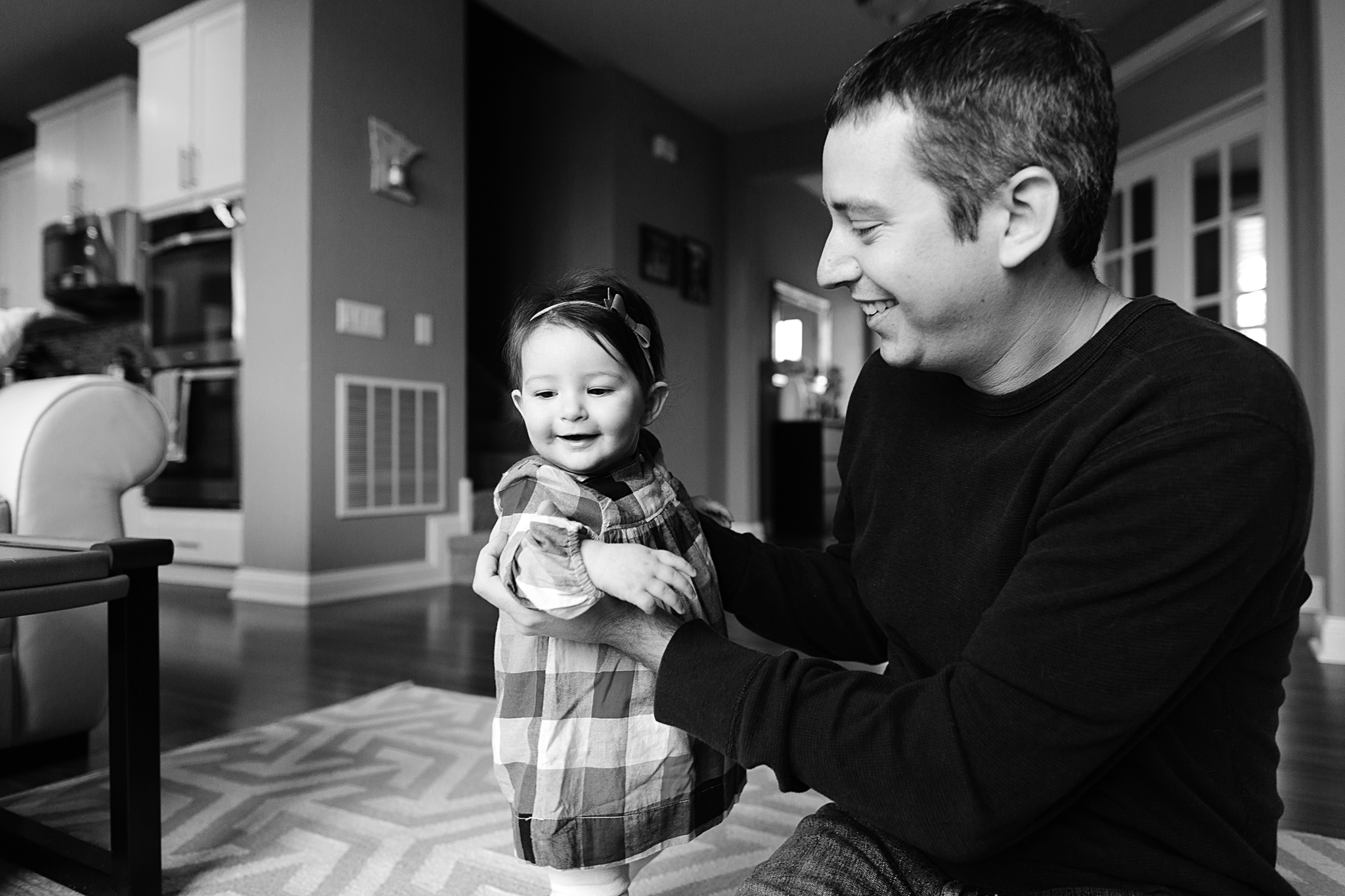 Lifestyle Family Portrait Photographer in Roseville, Minnesota