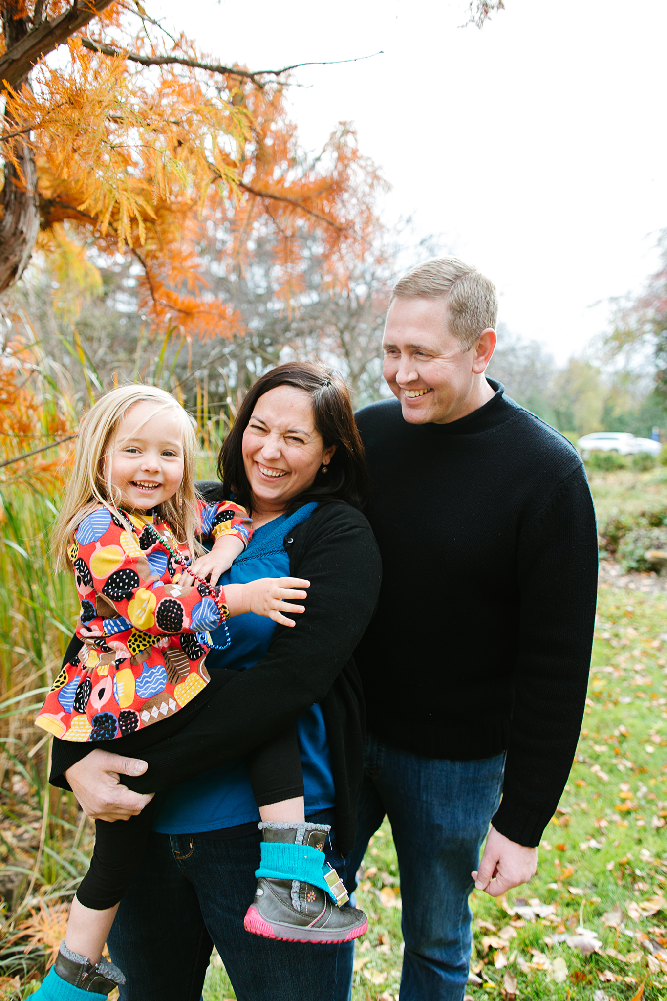 Fall Family Mini Portrait Sessions at the Minneapolis Peace Garden by Lake Harriet