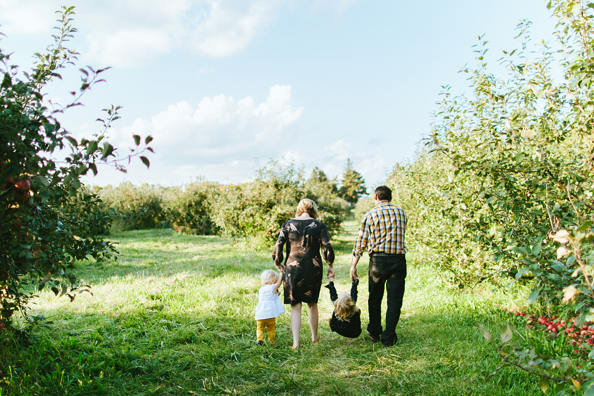 Family Pictures in a Minnesota Apple Orchard