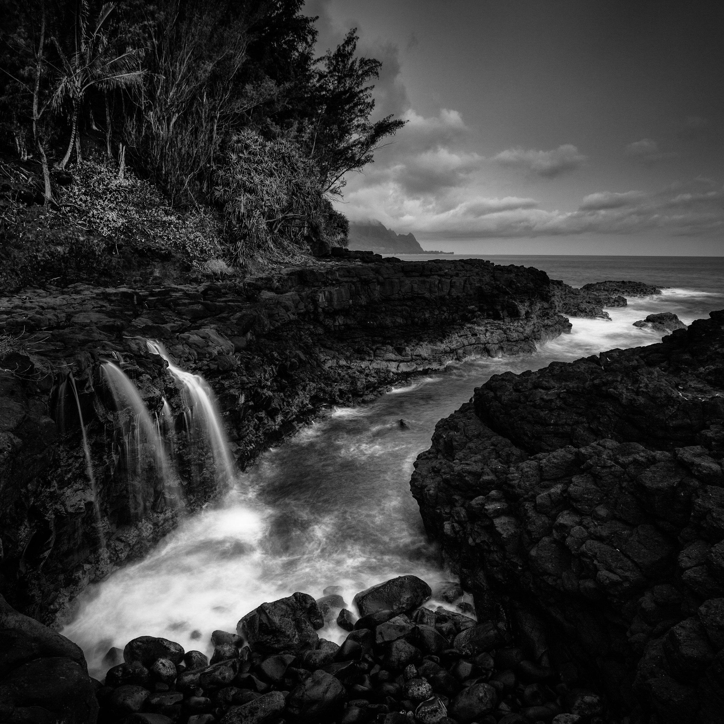 Kauai black white queens bath inlet waterfall shower