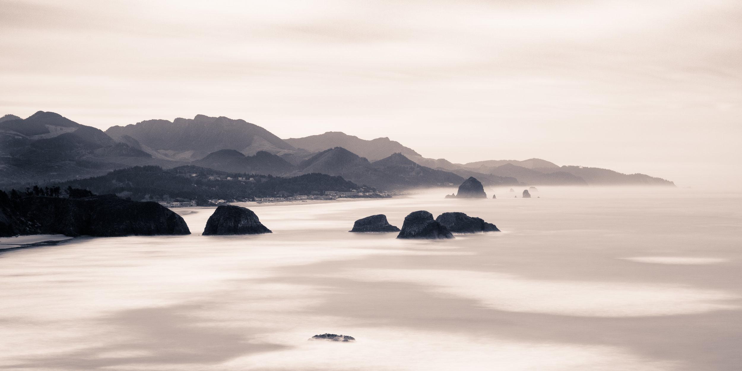 Oregon Cannon beach black white haystack rock humps