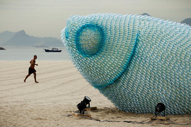 Big Fish Installation (made out of plastic bottles) in Rio di Janeiro. Talking about FISH + BRAZIL - check out the new Brazilian sushi place in Monti, Rome :  TEMAKINHO